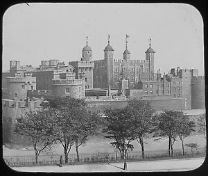 Glass-Magic-Lantern-Slide-TOWER-OF-LONDON-FROM-GREAT-TOWER-HILL-C1890-PHOTO