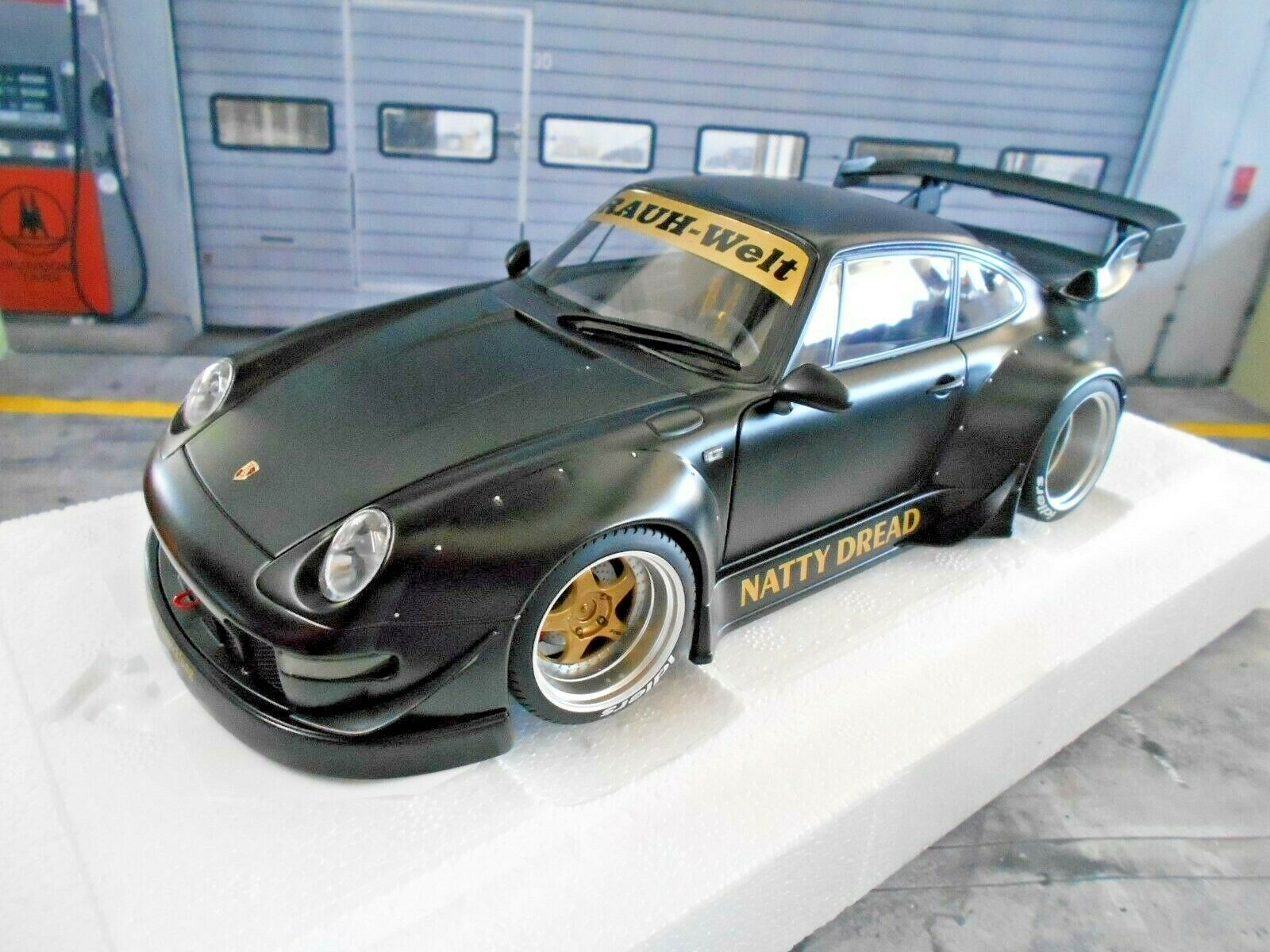 Porsche 911 993 rsr Widebody RWB brumoso mundo negro mate Autoart 78154 rar 1 18