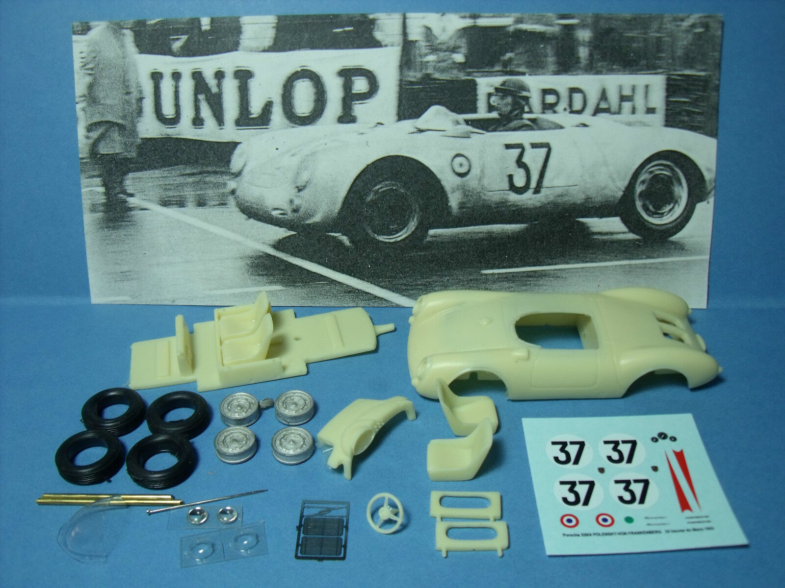 PORSCHE  550  SPYDER  LE  MANS  1955  NUMERO  37  VROOM   KIT  1 43  NO  SPARK