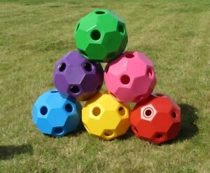 Happy-Hay-Play-USG-Fuetterungsball-Beschaeftigung-Heuball-Heu-sparen-Spielball-TOP