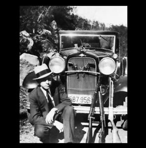 Details about BONNIE & CLYDE 1932 Ford Car PHOTO,Great Depression Gangster  Clyde Barrow + Guns