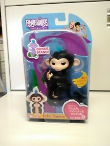 Fingerlings Interactive Baby Monkey Bella Pink