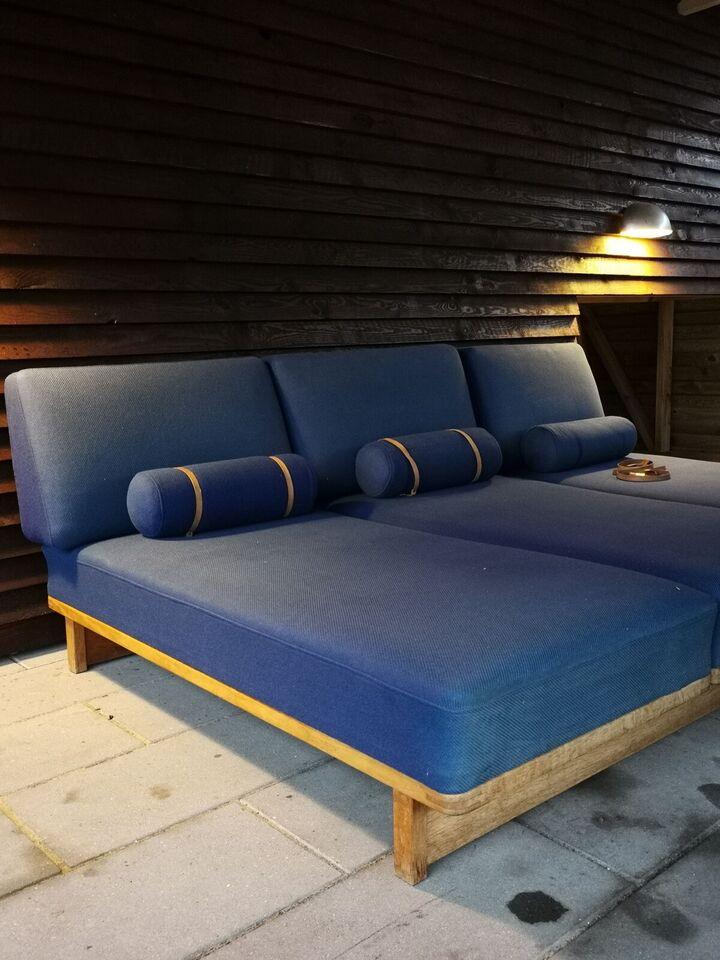 Børge Mogensen, Fodboldsofaen (Ala model 4400), Sofa