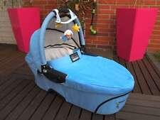 Quinny Dreami Babyschale blau hellblau Babywanne Wanne Wagen Aufsatz Baby Schale