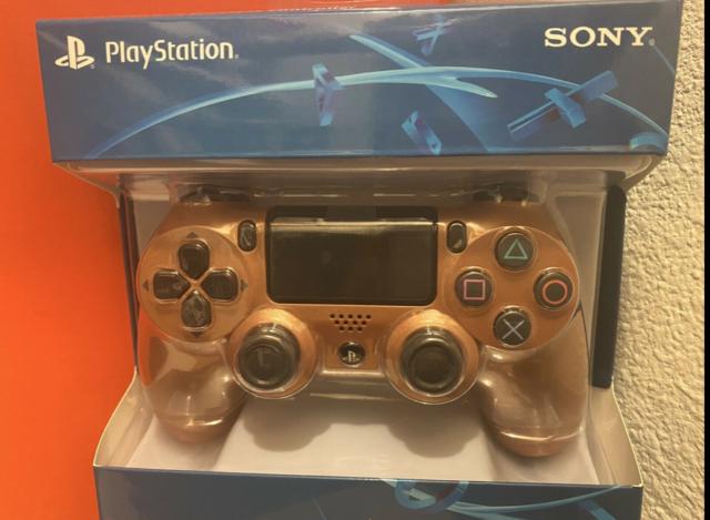 Sony 9873969 PS4 Dualshock Wireless Controller