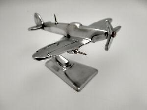Avion Spitfire presse papiers de bureau ou déco ,en aluminium poli sur socle