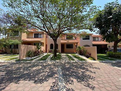 Casa en venta en condominio las palmas