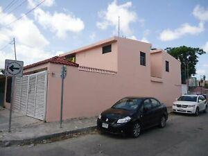 Se Vende Casa en Cancun Sobre Av Kabah en Esquina