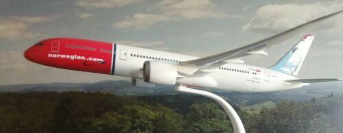 """Herpa Wings 1:200 snap fit Norwegian b787-9 dreamliner /""""Freddie Mercury/"""" 611503"""