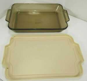 Anchor-Hocking-9-5-x-13-5-x-2-034-3-QT-Smoked-Tinted-Glass-Baking-Dish-w-Beige-Lid