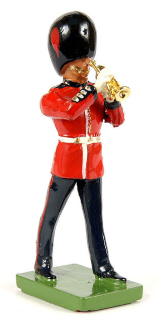 BRITAINS SOLDIERS Coldstream Guards Trumpet 1:32 SCALE 8330