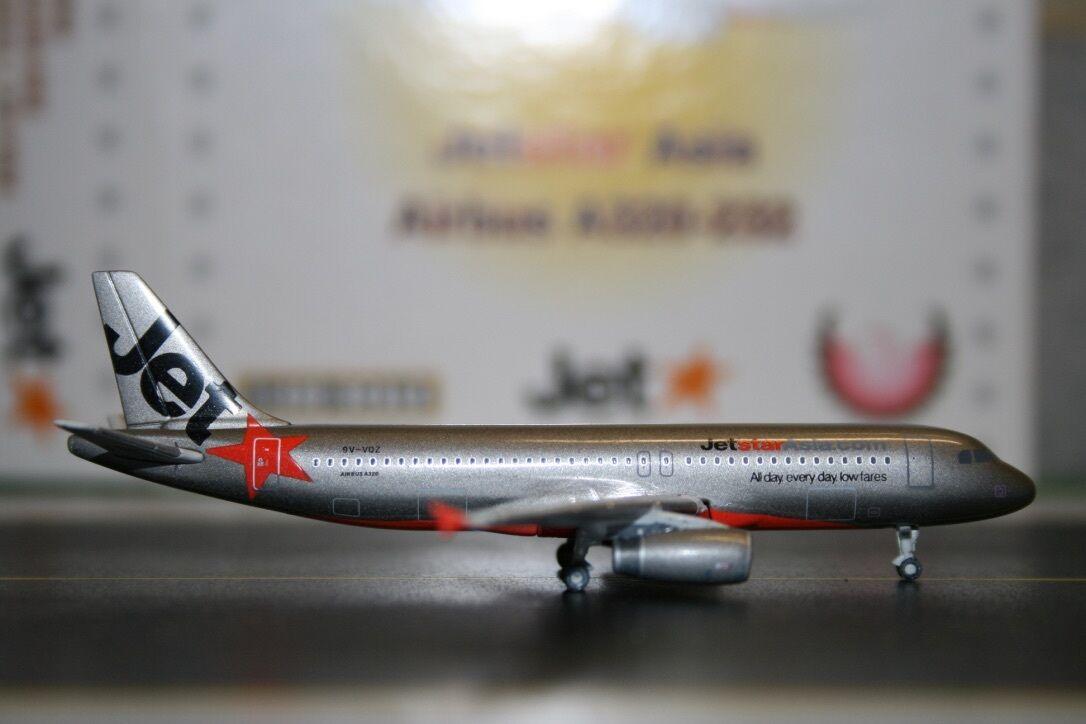 Phoenix 1 400 Jetstar Asia Airbus A320-200 9V-VQZ PH4JSAXXX Die-Cast Model Plane