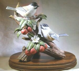 HOMCO-Home-Interiors-Masterpiece-034-Chickadee-with-Fruit-034-11164-02-With-Base-EUC