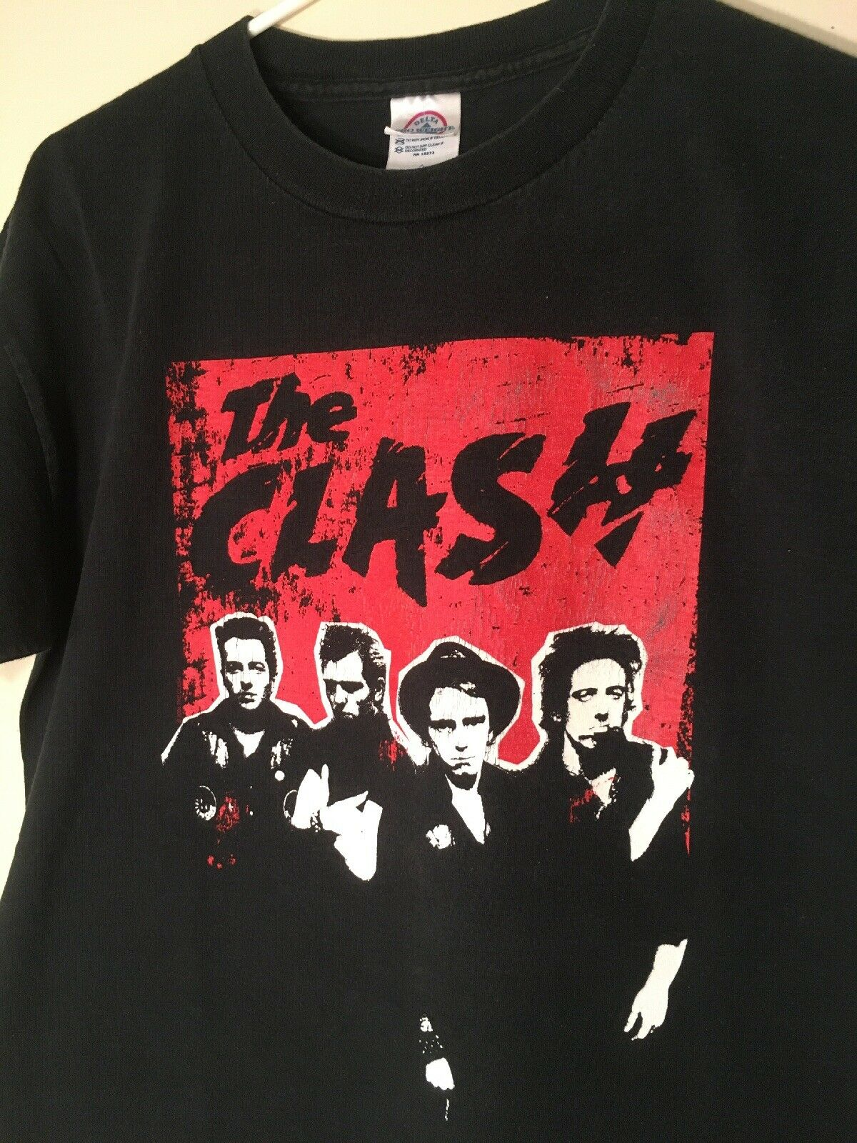 2004 The Clash Promo T-shirt M Punk Rock  - image 1