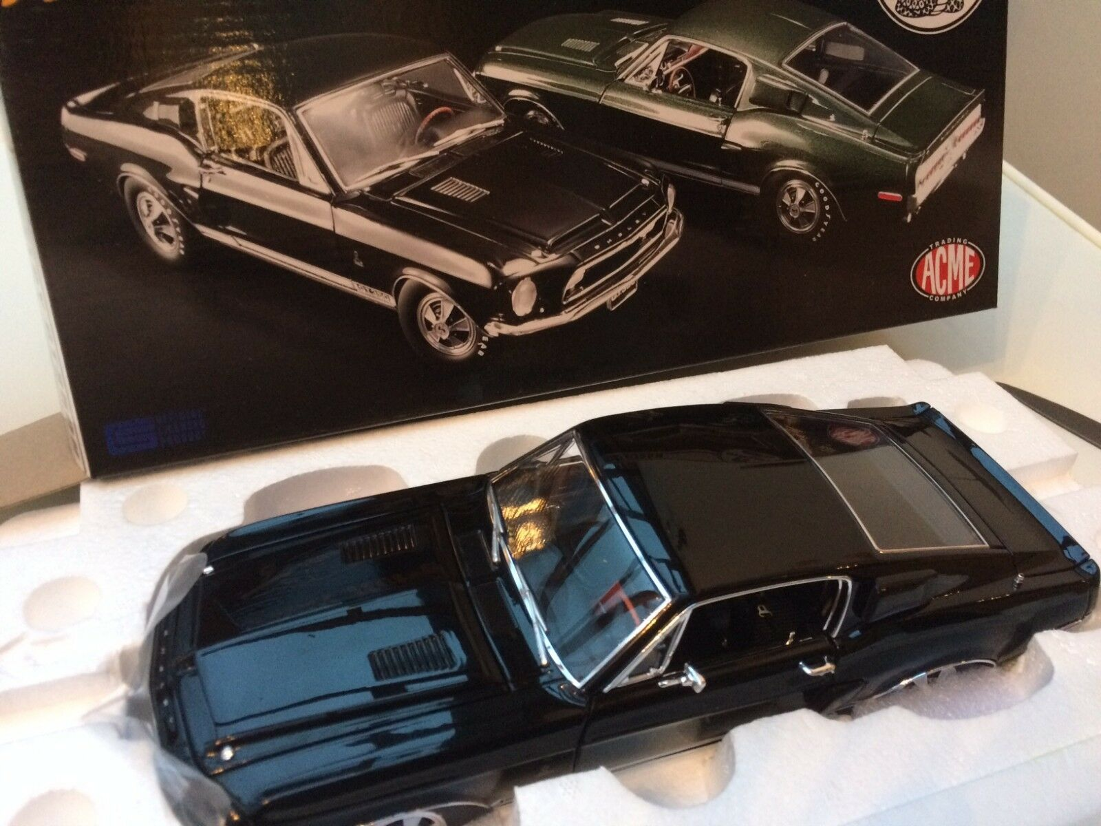ACME 1801826 FORD MUSTANG SHELBY GT 350H HERTZ Modelll road car schwarz 1 18th scale