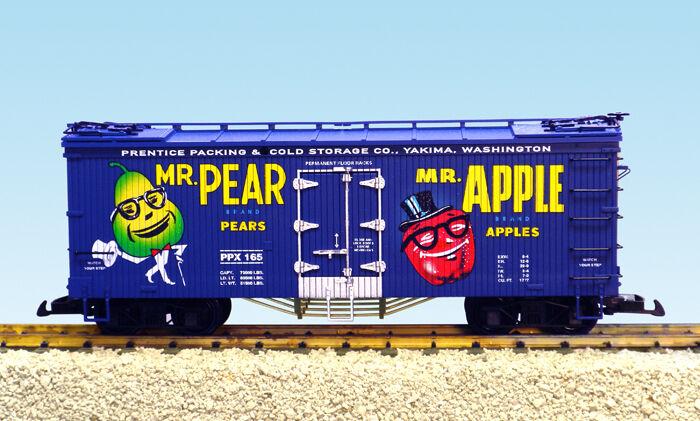 USA Trains G Scale 16458 U.S. REEFER CAR Mr. Pear/Mr. Apple - Blue