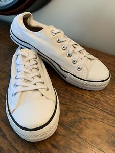 Old Navy Lace Up Low Top White Canvas