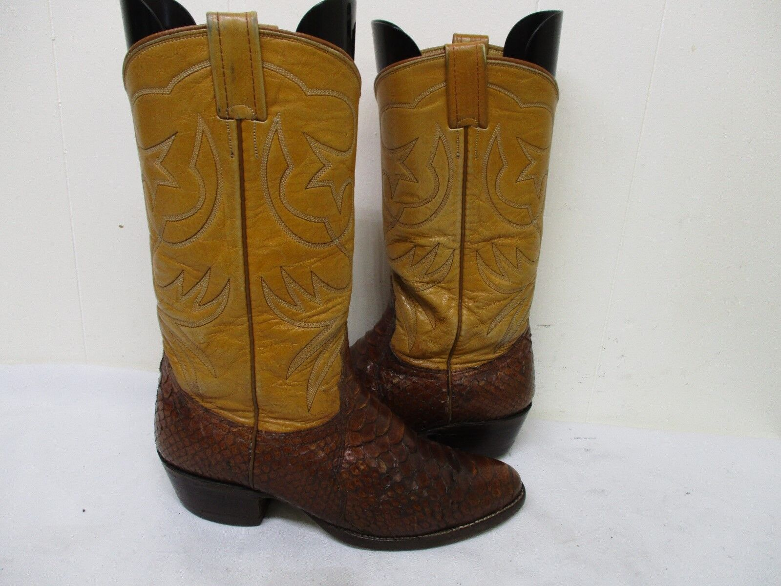 NOCONA Brown Snakeskin Leather Cowboy Boots Mens Size 9 D Style 9054 USA