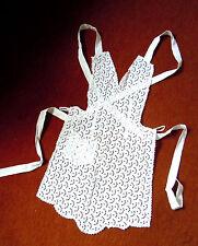 RARITÄT! kleine Spitzen-Trägerschürze wunderschön wertvolle Qualität Lochbatist