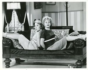 LUCILLE-BALL-VIVIAN-VANCE-TIED-UP-THE-LUCY-SHOW-ORIGINAL-1962-CBS-TV-PHOTO