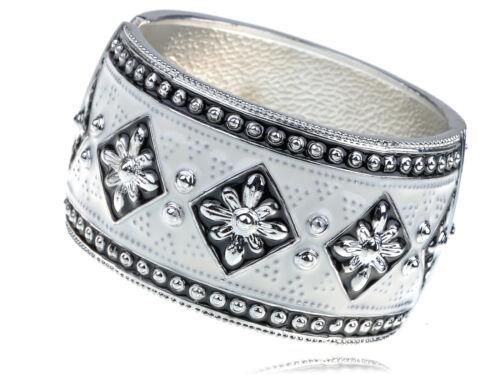 Black White Enamel Handpainted European Gypsy Flower Bracelet Bangle Cuff Gift