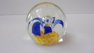 Vintage-Hand-Blown-Glass-Art-Paperweight-Blue-Flower-with-Yellow-and-White-Base