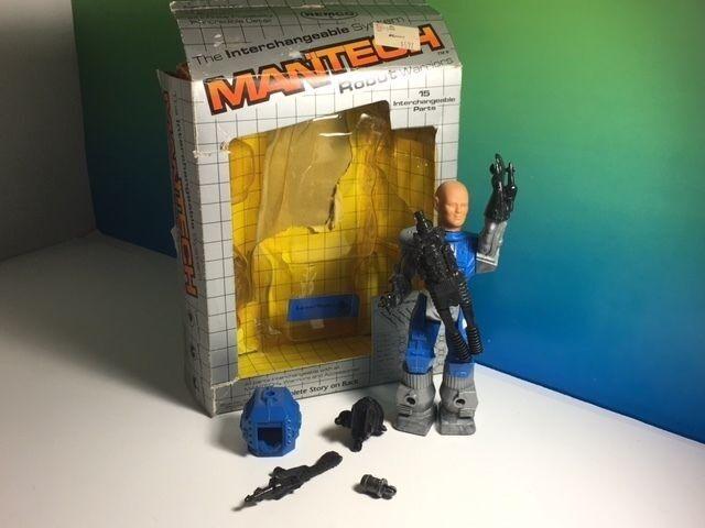 1983 REMCO MANTECH ACTION FIGURE ROBOT WARRIORS ORIGINAL BOX LASER TECH blueE GUN