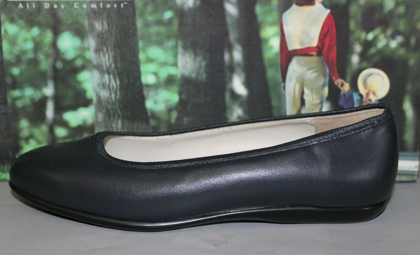 Women's Soft Spots Pansy Navy Size 7 Medium Leather Casual Slip on Flat shoes
