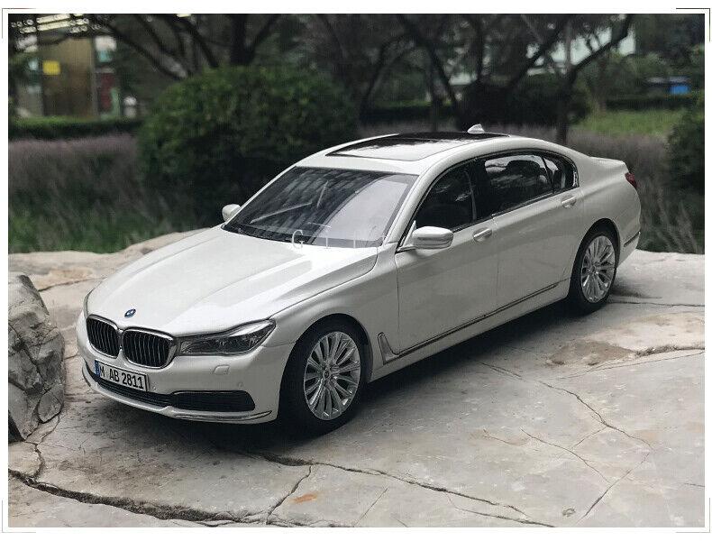 Échelle 1 18 BMW 750Li Diecast Simulé modèle de voiture de collection Jouet eau BLANC