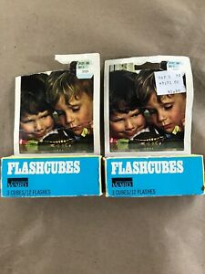 Vintage Flashcubes - 2 packs, Set Of 3 Cubes With 12 Flashes In Original Box D8
