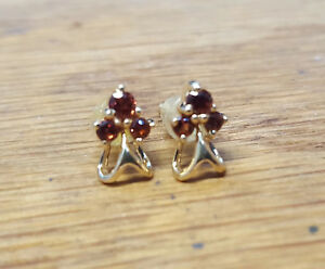 18k-Yellow-Gold-Garnet-Cluster-Earrings