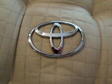 "Toyota Sequoia 2001-2008 (crest) hatch ""EMBLEM"""