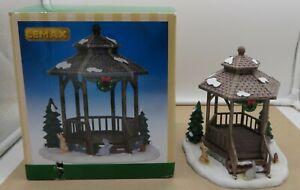 Lemax 2014 Christmas Village Table Accent, WINTER GAZEBO