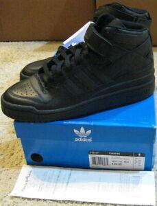 adidas forum mid black