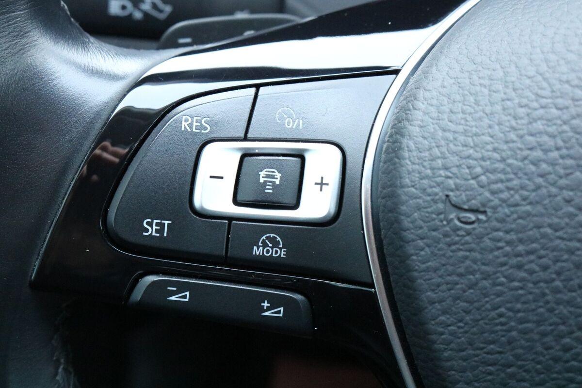 VW Passat 2,0 TDi 150 High+ Vari. DSG