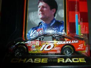VALVOLINE-MAXLIFE-10-PONTIAC-GRAND-PRIX-2002-J-BENSON-DIE-CAST-1-64-RC-NASCAR