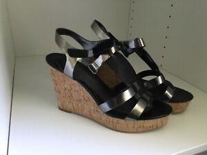 Womens shoes, Tahari TA-SIMONE Wedge , Corke sole, color Pewter/Black ,size 9M