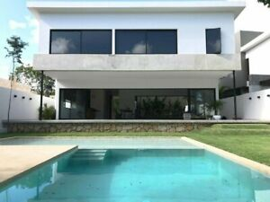 Hermosa y amplia casa en Lagos del Sol  Beautiful and Spacious Home