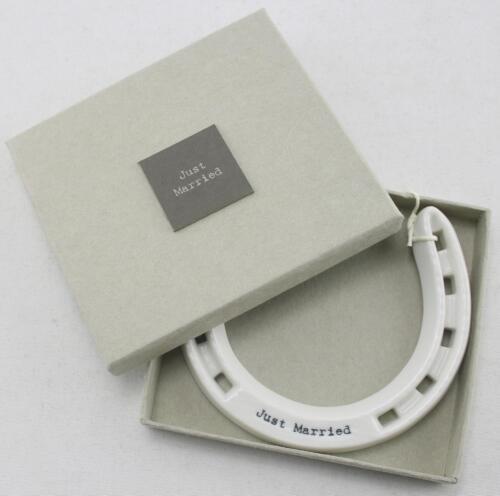 East of India Weißes Porzellan Glück Hufeisen Gut Just Married Geschenk Verpackt