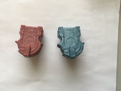 2 Hasbro Beyblade Right Spin Rip Cord Launchers US Seller