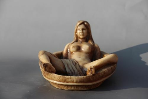 China hand-carved beautiful women/'s bath statue ashtray