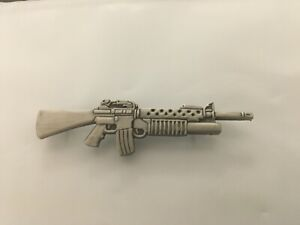 US-ARMY-M-203-GRENADE-LAUNCHER-HAT-PIN