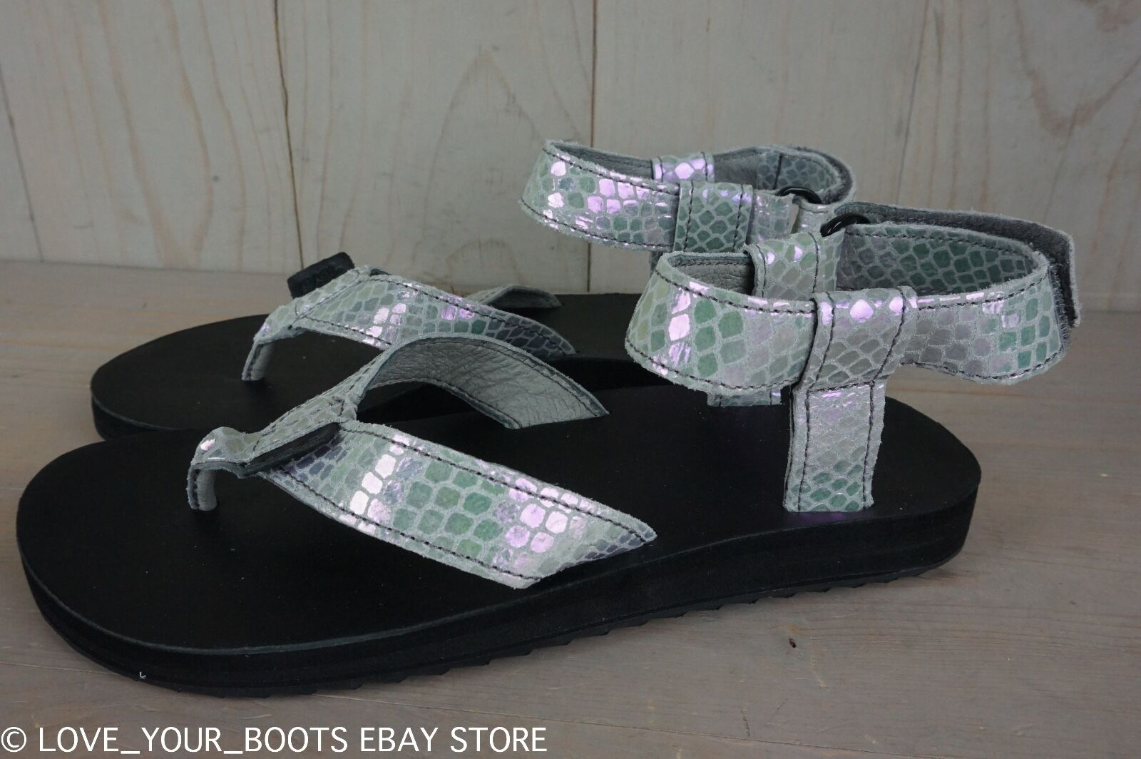 TEVA  ORIGINAL IRIDESCENT GREY REPTILE EMBOSSED WOMENS SANDALS US 7 NIB