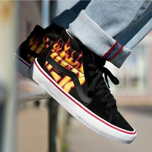 Vans x Thrasher Sk8-Hi Pro shoes in Thrasher Black