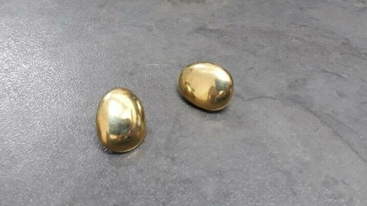 A092 9k Gold Oval Earrings