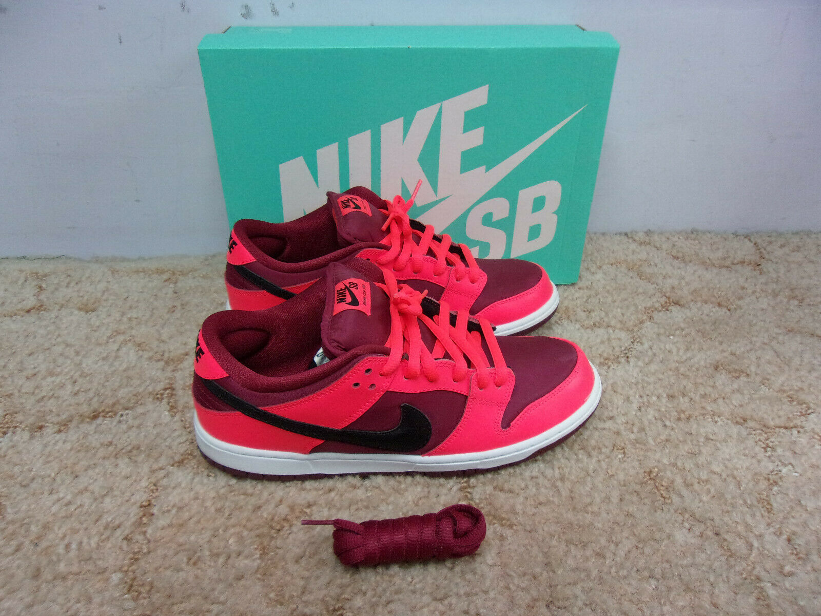 NIKE DUNK LOW PRO SB Laser Crimson Team Red shoes w Box Size 10.5 S35