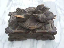 Boite coffret bois sculpté décor oiseaux nid sculpture forêt noire