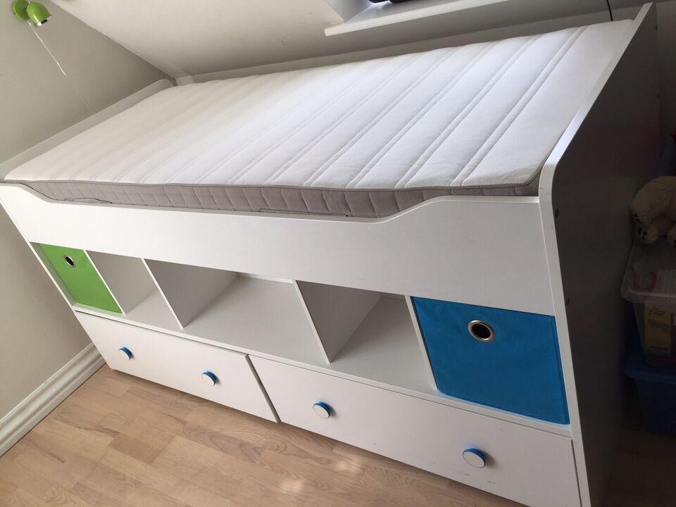 Halvhøj seng, b: 96 l: 207