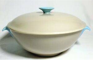 POOLE-POTTERY-TWINTONE-SERVING-DISH-WITH-LID-STREAMLINE-C104-SKY-BLUE-DOVE-GREY