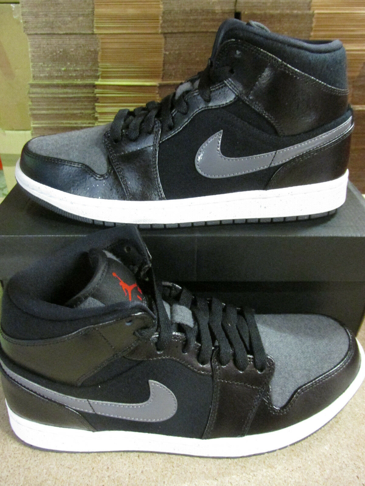 Nike Air Jordan 1 Mid PREM Hi Top Basketball Trainers 852542 001 Sneakers Shoes best-selling model of the brand